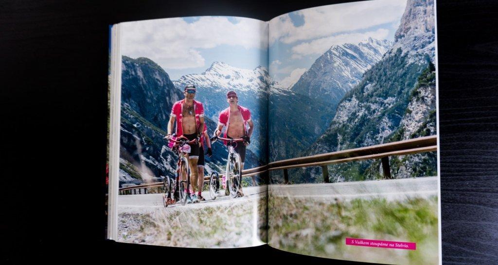 240 stran, spousty fotografií a příběh o nejen o Giru a Tour, ale hlavně o životě...