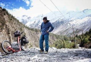 Marek Jelínek má v nohách 4000 km putování Asií na koloběžce - jak se mu daří?