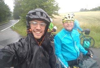 Přejezd republiky spláchl déšť a patřil Balcarovi s Hubkou
