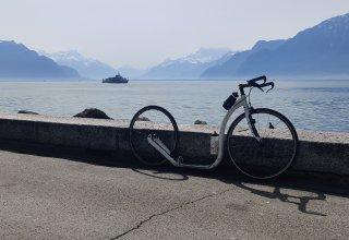 Kolem ženevského jezera na koloběžce