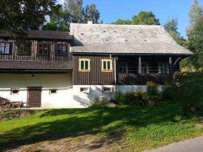 Můžete potkat dokonce rodný dům Antala Staška