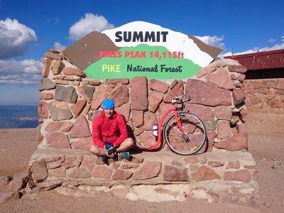 Milan Čtvrtník a summit Pikes Peak