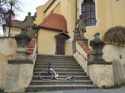 Kostel v Týnu (Jihočeší říkají v Tejně) nad Vltavou