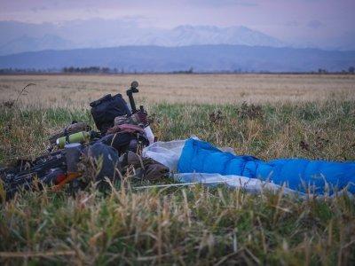 Zasněžené hory na obzoru, zima začíná/ foto: Blandine