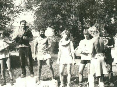 Prvních šest závodníků v Kadani (lesopark) 16.9.1989. Zleva – druhý Zdenek Duška (Jafiduto), první Martin Kolář (RC Újezd u Brna), třetí Karel Průcha (Kladno), čtvrtý Rosťa Točík, pátý Miroslav Duška (oba Jafiduto), šestý Luděk Kolář (RC Újezd u Brna). Pr