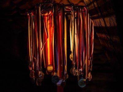 Klasické stínítko lampy z medailí Ultimy
