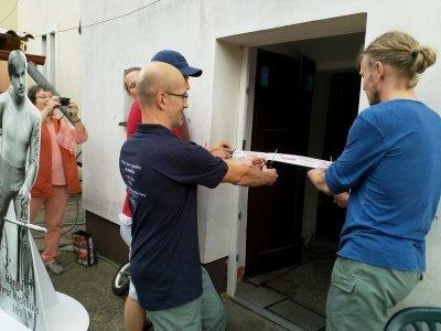 Pásku přestřihl majitel muzea Ing. Tlapa, předseda ČSK Zdeněk Hercik a Alpo Kuusisto