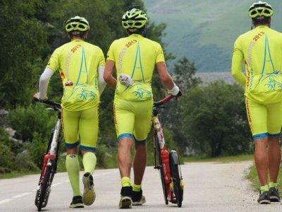 Do kapsiček cyklistického dresu se toho vejde opravdu dost