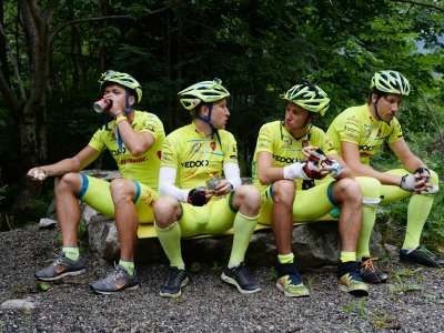 Kompresky při odpočinku na Tour de France 2013