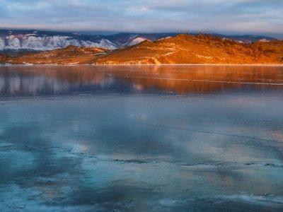 Na Bajkale sněží v listopadu a prosinci, pak začne rychle zamrzat - fotky jsou ze začátku prosince 2019