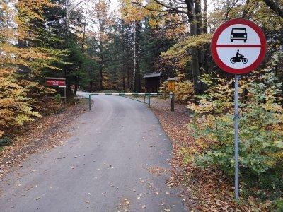 Definitivní vjezd do lesa za 6. km