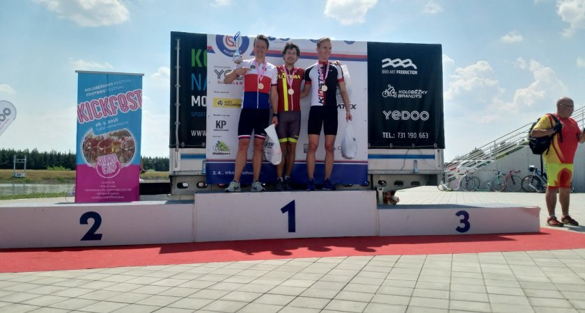 Dlouhý závod pro Tomáše Pelce, druhý Michal Kulka a třetí Holanďák Steinbeergen