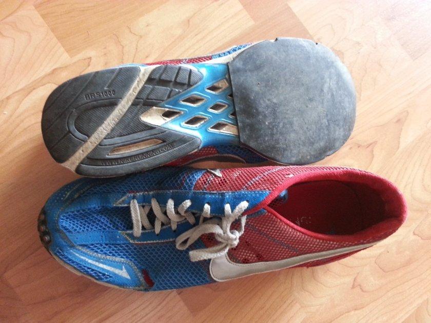 Závodní nízké běžecké boty na asfaltové preťeky - podlepené tenkou gumou