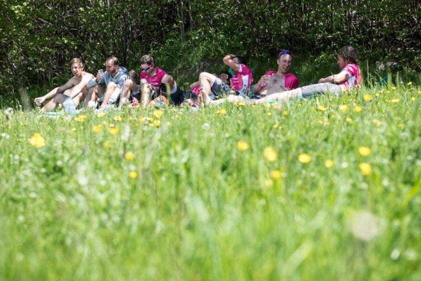 Oběd v trávě / foto: Ivo Dvořák