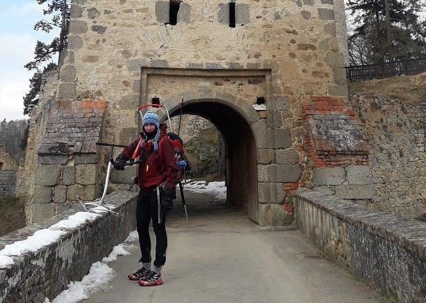 Nástup přes hrad