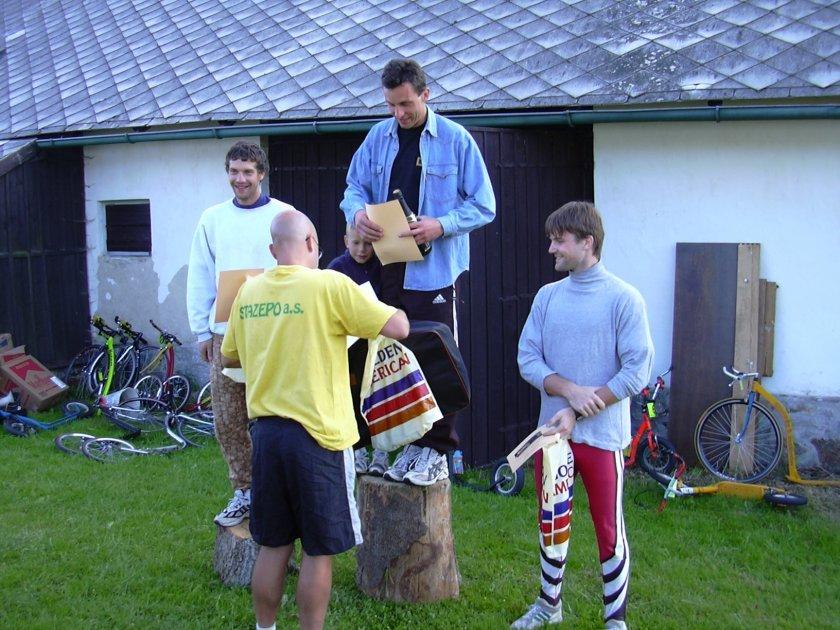 Šumava 2003 a opět druhý - vítěz Láďa Provod a třetí Petr Pešta