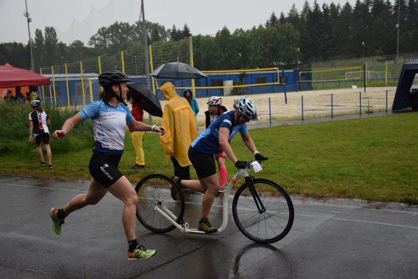 Vítězka obou ženských závodů Kristina Fryzová při štafetách