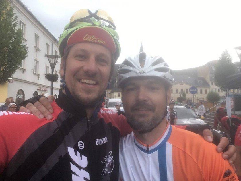 Předstartovní selfie - Vašek Liška s Martinem Komárem - zakladatelem klubu Koloběžkáři Pardubice